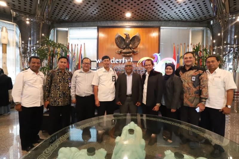 Politeknik Pariwisata Negeri Makassar melakukan perjanjian kerjasama (MoU) dengan Universiti Teknologi Mara, Malaysia